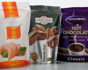 Nhờ đặc tính trơ và không thấm nước, túi PE dùng đựng thực phẩm an toàn