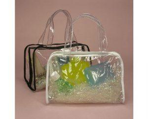 Nhiều mẫu túi xách nhựa có mẫu mã, kiểu dáng đẹp không kém các loại túi xách thời trang