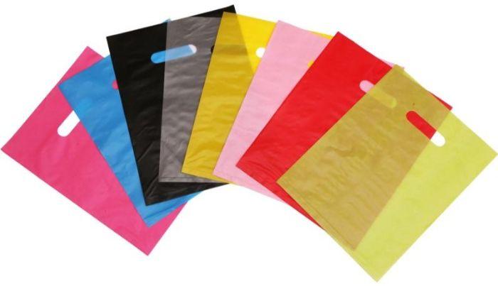 Túi ni lông được sản xuất đa dạng mẫu mã và màu sắc